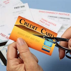 cutting_up_credit_card.jpg